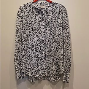 Loft size M animal print button up top